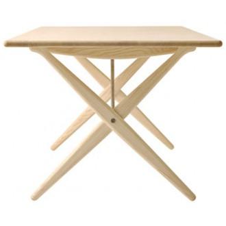 Hans J. Wegner PP 84 Table