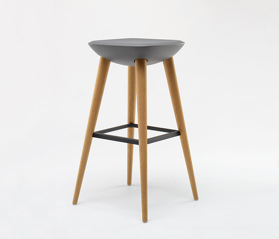 Benjamin Hubert Pebble Chair, Table and Stool