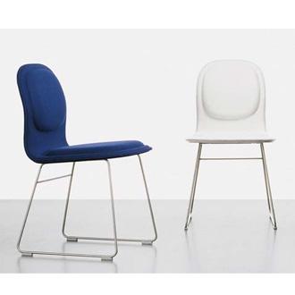 jasper morrison hi pad chair. Black Bedroom Furniture Sets. Home Design Ideas