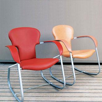 Oscar Tusquets Bavarius Chair