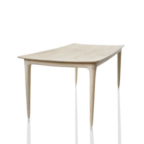 Ask-Emil Curved Table