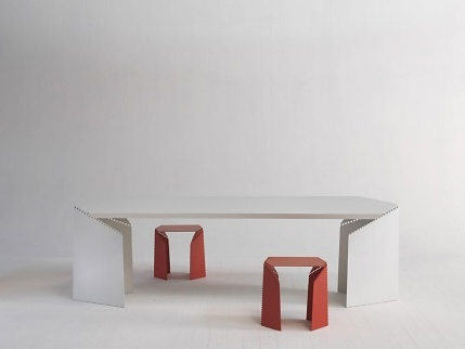 Christophe de la Fontaine and Stefan Diez Bent Table