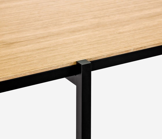David Löhr Neo Table