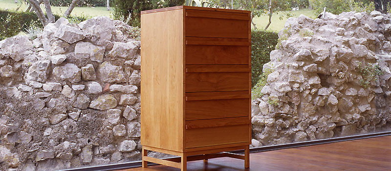 De La Espada Atlantico Tall Chest