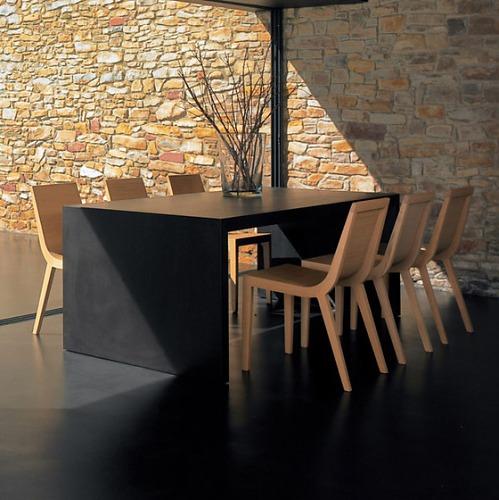 Estudio Andreu Closed Table