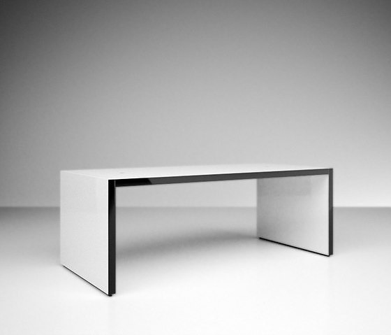 Felix Schwake Faber Table
