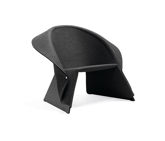 Fredrik Färg Coat Easy Chair