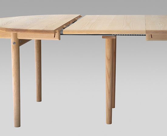 Hans J. Wegner PP 70 Table