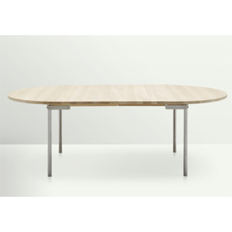 Hans J. Wegner CH330 Table