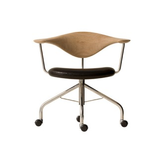 Hans J. Wegner PP 502 Swivel Chair