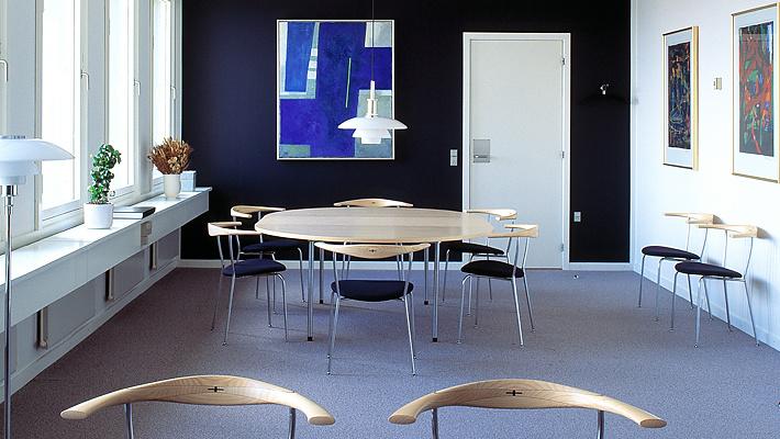 Hans J. Wegner PP701 Chair