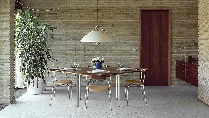 Hans J. Wegner PP726-PP752 Table