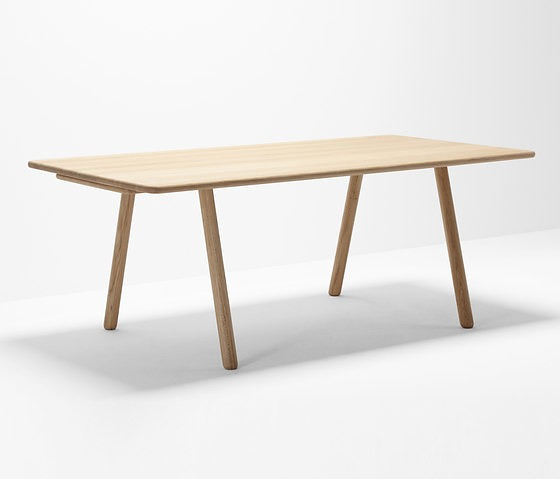Hierve Curved Table