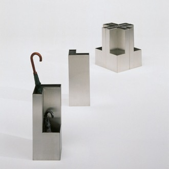 Isabel Gamero and Jordi Pérez Plec Umbrella Stand