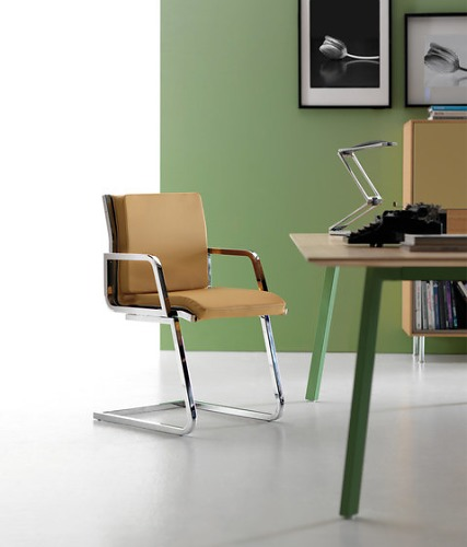 Quinti RD Word Chair Collection