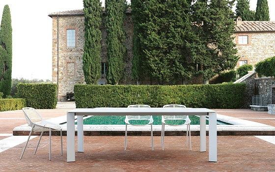 Robby and Francesca CantaruttiGrande Arche Table
