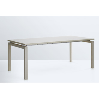 Strand + Hvass SH700 Straight Table