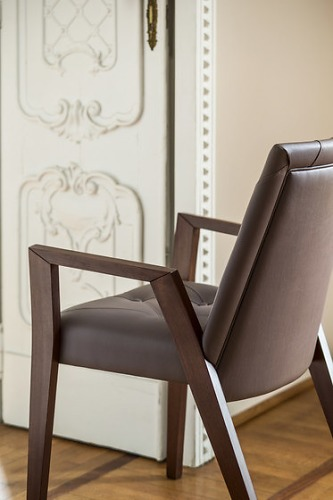Studio Riforma Royal Chair