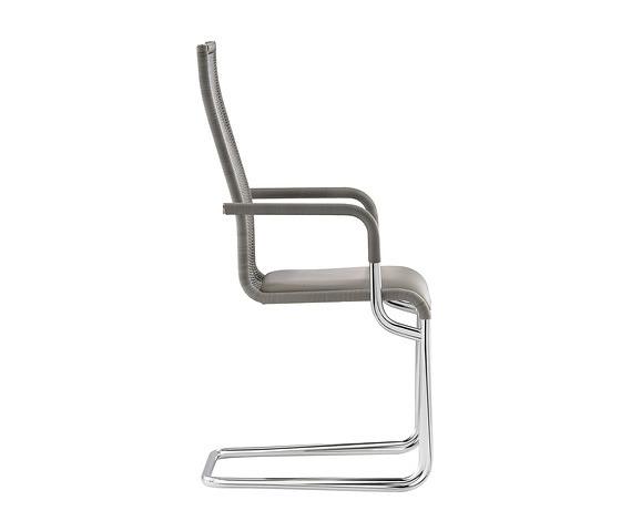 TECTA D26-1p Cantilever Armchair