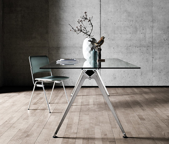 Troels Grum-Schwensen Grip Table
