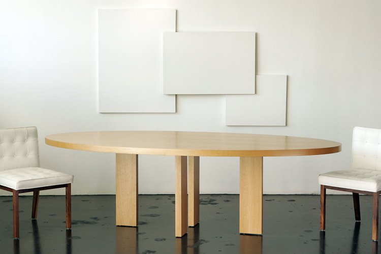 Vioski Alex Dining Table